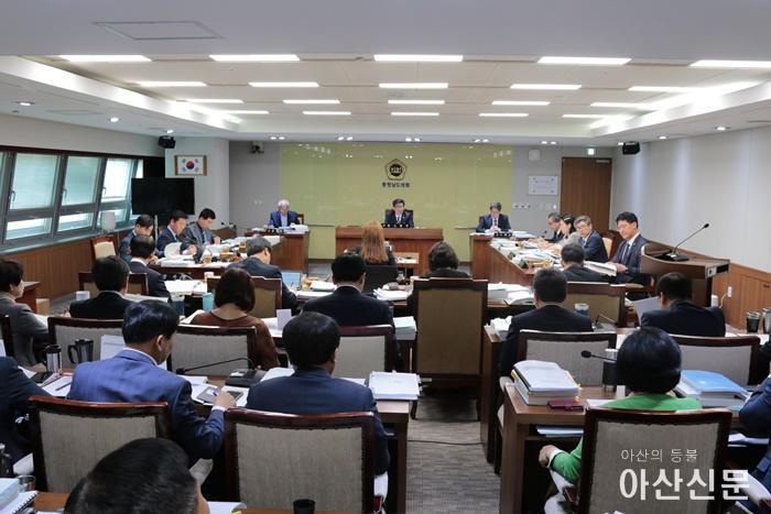 2019-05-10-교육위원회 추경예산 꼼꼼히-1.jpg