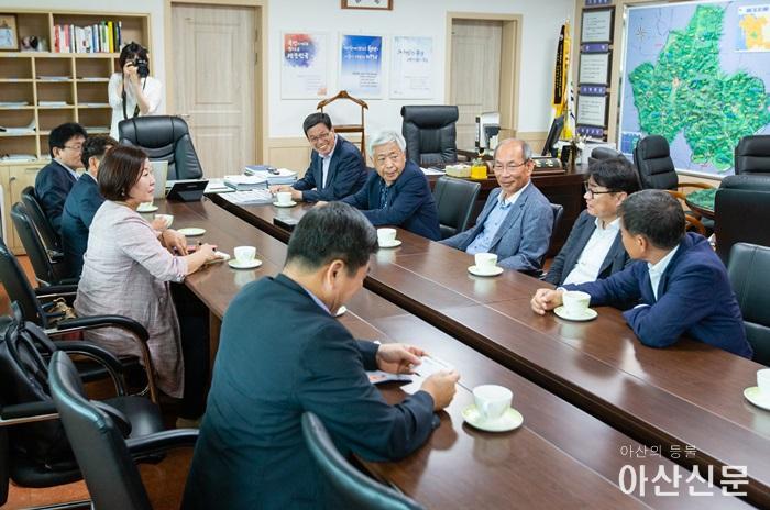 충남지역신문연합회 대표단-김돈곤 청양군수  접견1.jpg