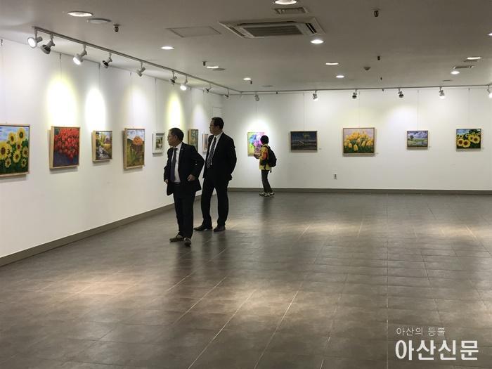 """3. 온양2동 주민자치프로그램 서양화교실 작품전시회 """"예향전"""" 개최.jpg"""